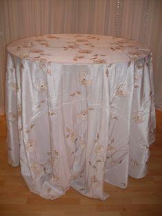 Honey Blossom #linen #pattern #chairdecor #linenfactory #event #finelinen #tabledecor