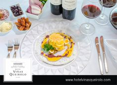 Napoleón de ají de gallina con praliné de pecanas y crema de aceitunas botija.  #Hotel #Viñedo, #Vineyard  #wine #winelover #Ica #Peru #Vino #Relax #Vacations #food #comida #menu