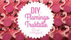 DIY   Flamingo traktatie (pas op, niet gezond!)   Mama's Liefste Birthday Parties, Birthday Cake, Mini Donuts, Workshop, Flamingo Party, Diys, Christmas Bulbs, Treats, Holiday Decor
