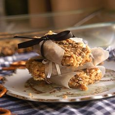 Try making your own Peanut Butter Pretzel Granola Bars!  It's so easy to make granola bars at home!