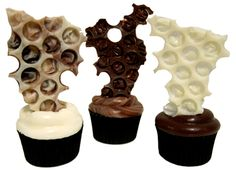 My children would love to cook this....Bubblewrap chocolate cupcake toppers