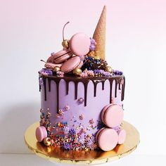 24 epic macaroon birthday cake ideas to inspire your next birthday celebrations - Süße Leckereien - Macaron Girly Birthday Cakes, Candy Birthday Cakes, Ice Cream Birthday Cake, Beautiful Birthday Cakes, Birthday Ideas, Happy Birthday, Ice Cream Cone Cake, Girly Cakes, Ice Cream Cakes