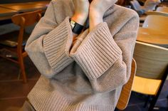ニット・セーター アースカラー 細編み 肩ルーズ 袖口広めの タートルニット(3)