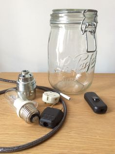 tuto monter une lampe suspension dans un bocal vintage confiture type mason jar tuto branchement cable ampoule et prise