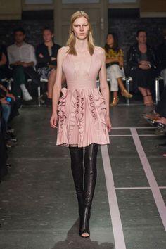 Givenchy at Paris Fashion Week Spring 2015 - Runway Photos