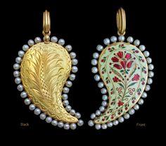 ROBERT PHILLIPS 'Phillips of Cockspur Street'. Mughal inspired reversible pendant. c1875.