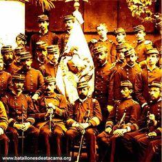 Fotografías Históricas de La Guerra del Pacifico 1879 _ 1884 OFICIALES CHILENOS AFUERA DE UNA MANSION PERUANA EN LIMA.