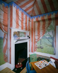 Tent trompe l'oeil room painting. Children's bedroom idea. #Playroom #decor #illusion