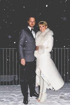 casamento chiquetérrimo na neve. Noiva com peles, flocos de neve!