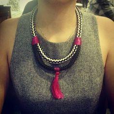 Maria Flor Acessórios  colares de corda Facebook: https://m.facebook.com/mariaflorhandmade/ Instagram: @acessmariaflor