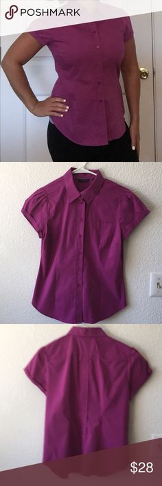 New York and Company button down Great condition. Stretch fit New York & Company Tops Button Down Shirts