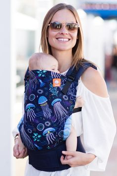 So Jelly Tula Toddler carrier - Jellyfish print Tula - perfect buckle carrier for growing toddlers who still want UP! FREE fast UK postage from trusted retailer.
