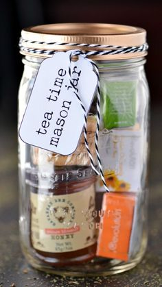 tea time mason jar gifts is a fun homemade Christmas gift idea for the tea . - Deco & Crafts -This tea time mason jar gifts is a fun homemade Christmas gift idea for the tea . Mason Jar Christmas Gifts, Diy Christmas Presents, Mason Jar Gifts, Homemade Christmas Gifts, Mason Jar Diy, Gift Jars, Christmas Holidays, Cheap Christmas, Christmas Crafts