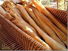 Grisine rustice crocante - mode de preparare. Cum se fac acasa grsinele crocante? Reteta simpla de grisine rustice crocante. Grisine aperitiv. Carrots, Pasta, Vegetables, Parmezan, Wood, Breads, Bread Rolls, Woodwind Instrument, Timber Wood