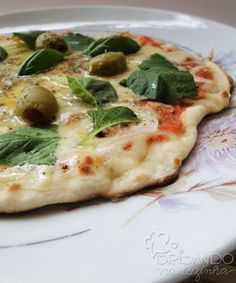 Brisando na Cozinha: Pizza de frigideira (massa caseira)