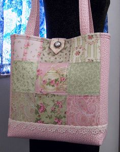 ROSE GARDEN TOTE, PATCHWORK,