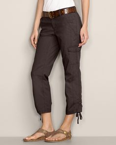 """I live in cropped pants on the weekends.  I like the """"cargo"""" style of these.  Very cute.  No belt."""