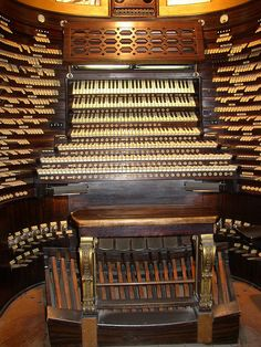 The Worlds Largest Musical Instrument. Atlantic City`s Boardwalk Hall Pipe Organ by Atlantic city midmer losh fan, via Flickr