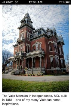 The Vaile Mansion in Independence, MO, built in 1881 Victorian home Beaux Arts Architecture, Victorian Architecture, Architecture Old, Beautiful Architecture, Beautiful Buildings, Beautiful Homes, Old Mansions, Abandoned Mansions, Abandoned Houses