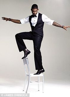 i love usher!! he is an amazing artist i love his songs i love the way he moves really really cool artist!