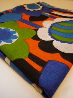 DELIGHTFUL vintage cotton fabric van FABBITS op Etsy, $18,00