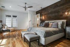 mur en bois et parement de chambre adulte