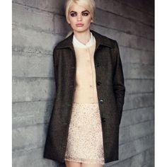 coat H