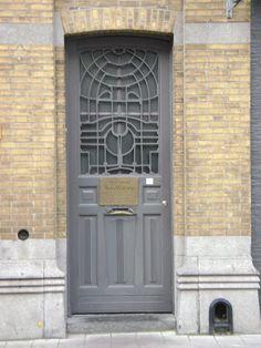 zurenborg voordeuren grijs glas
