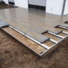 Terrassenplatten verlegen mit dem METTEN Profilsystem.