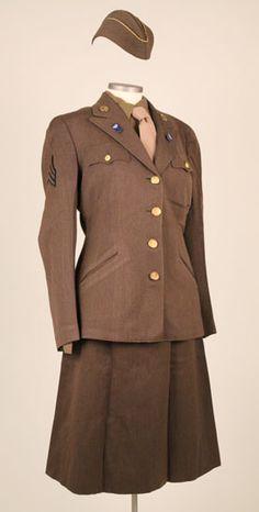 Dress uniform of Air WAC, Dora Feinbloom. Gift of Arlene Hanauer, The National WWII Museum, 2011.514.