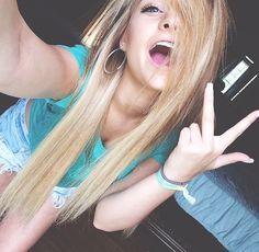 Nikki is so gorgeous !!!! Loving the hair tho!!!! @Nikki60c
