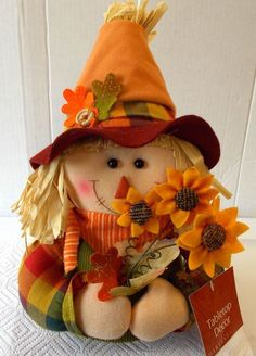 Scarecrow Face, Scarecrow Crafts, Halloween Scarecrow, Fall Halloween, Halloween Crafts, Halloween Decorations, Scarecrows For Garden, Fall Scarecrows, Thanksgiving Crafts