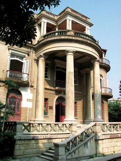 A Tour of Colonial Architecture in Gulangyu, China - Discovery Colonial Exterior, Roman Columns, Cathay Pacific, Colonial Architecture, Chinese Garden, Family Garden, Rococo Style, Top Hotels, World Heritage Sites