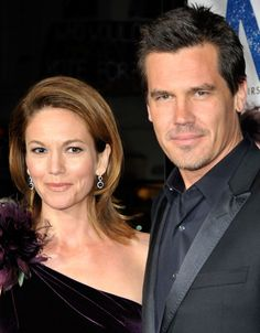 """Diane Lane Photos - Actor Josh Brolin (R) and wife actress Diane Lane arrive at Focus Features' world premiere of """"Milk"""" held at The Castro Theatre on October 2008 in San Francisco, California. - World Premiere Of Focus Features' """"Milk"""" - Arrivals Josh Brolin Young, Diane Lane Unfaithful, Diane Lane Actress, Popular Actresses, Famous Couples, Diane Kruger, Celebs, Celebrities, Celebrity Hairstyles"""