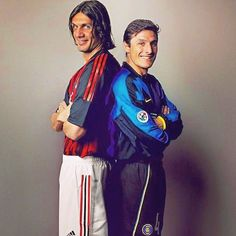 Paolo Maldini e Javier Zanetti World Football, Football Kits, Football Soccer, Football Players, Paolo Maldini, Legends Football, Fifa, Don Juan, Vintage Football