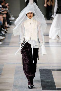 Ann Demeulemeester Autumn/Winter 2017 Ready to Wear