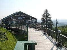 The Hogback Mountain Gift Shop has Vermont products and all kinds of souvenirs, t-shirts, sweatshirts, fudge, drinks, preserves, cheese and best of all, maple syrup.