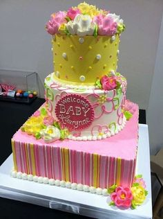 Cake Wrecks - Home - Sunday Sweets: Fun and Fondant Free by The White Flower Cake Shoppe Buttercream Cake, Fondant Cakes, Cupcake Cakes, Cupcakes, Cupcake Ideas, Pretty Cakes, Beautiful Cakes, Amazing Cakes, Baby Shower Sweets