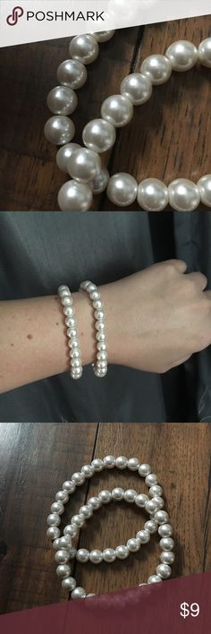 """💥 2 pearl bracelets 2 faux pearl elastic bracelets.  Are on the heavier side, good quality beads!  Circumference: 7"""" and stretches            💥 To Post Office same/ next day 💥                                        💍 Pick any 2 jewelry items in my closet, add to bundle and offer $15.  You will save on shipping too 💍 Jewelry Bracelets"""