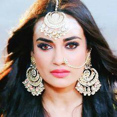 Royal Indian Wedding, Indian Wedding Jewelry, Bridal Jewelry, Jewellery Showroom, Fancy Jewellery, Indian Tv Actress, Beautiful Indian Actress, Indian Jewelry Earrings, Bengali Bride