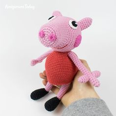 The free Peppa Pig crochet pattern will help you to create a famous cartoon character. The difficulty of amigurumi Peppa Pig crochet pattern is medium. Peacock Crochet, Crochet Pig, Crochet Rabbit, Crochet Unicorn, Crochet Dolls, Crochet Crafts, Crochet Projects, Free Crochet, Baby Unicorn
