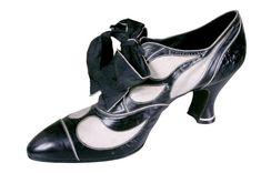 Shoe, Hellstern & Sons, 1920-28.