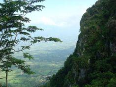 El Peñon de Cayaguanca, Chalatenago