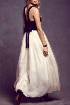 Details: Dress Silhouette: Maxi Dress Occasion: Party Dress Length: Ankle Length Neckline: V neckline Thickness: Standard Sleeve Length: Slim shoulder straps Style: Casual,Fashion Neckline/Collar: Hal