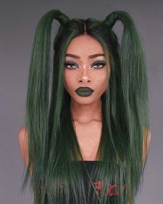 Do you wanna learn how to dying your own hair? Well, just visit our web site to seeing more amazing video tutorials! Fringe Hairstyles, Short Hairstyles For Women, Cool Hairstyles, Dark Green Hair, Short Dark Hair, Mandy Moore Short Hair, Hair Reference, Mermaid Hair, Cool Hair Color