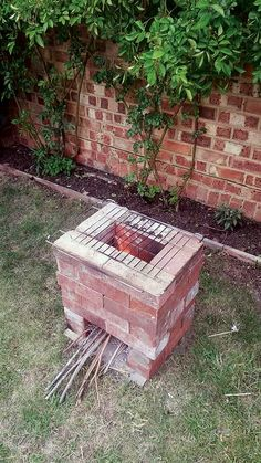 DIY Rocket Stove Designs - DIY - MOTHER EARTH NEWS Learn how to build woodburning cookstoves for the campsite, homestead, or backyard with these DIY rocket stove plans. Rocket Stove Design, Diy Rocket Stove, Rocket Stoves, Outdoor Stove, Outdoor Fire, Outdoor Lounge, Diy Fire Pit, Fire Pit Backyard, Cooking Stove