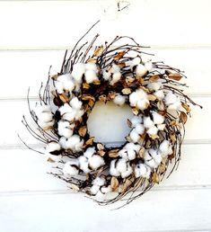 Rustic Fall Decor, Rustic Farmhouse Decor, Farmhouse Style, Felt Wreath, Wreath Crafts, Wreath Ideas, Cotton Wreath, How To Make Wreaths, Holiday Wreaths