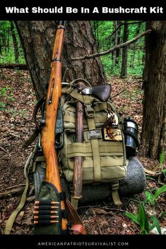 Have you completed your bushcraft camping kit? Once you've learn the basic Bushcraft Survival Skills it is time to learn what should be in your buschcraft kit. Here's how to build you own bushcraft kit from scratch. Bushcraft Camping, Bushcraft Kit, Bushcraft Backpack, Bushcraft Skills, Camping Survival, Camping Gear, Camping Equipment, Camping Shelters, Outdoor Survival Gear