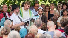 Regelmäßiger Gottesdienstbesuch erleichtert Leben nach Jobverlust . . . http://www.grenzwissenschaft-aktuell.de/regelmaessiger-gottesdienstbesuch-erleichtert-jobverlust . . . Abb.: rbb (Quelle)