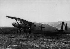 Italian Caproni CA 133 - Balkans WWII - pin by Paolo Marzioli
